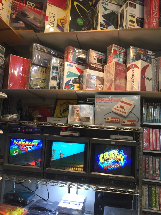 Olika boxade konsoler.