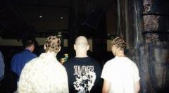 Mikko Tähtinen och Jacob Andersen hade rakat in Lemon-logon på huvudet. Flera mässbesökare var imponerade och ville ta kort, som dessa två med leopard- och tiger-mönster i håret.